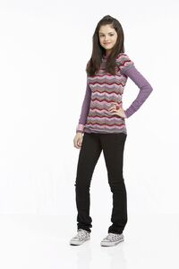 Alex-alex-russo-wizards-of-waverly-place-35183217-1067-1600