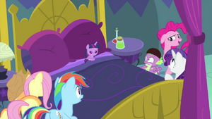 Twilight Sparkle turns into a baby MLPS2