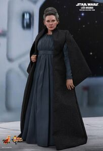 Hot-toy Leia TLJ