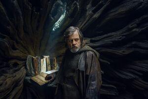 Luke inside the Jedi Library -TLJ