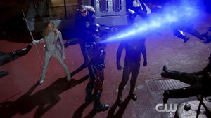 Dcs-legends-of-tomorrow-first-look-trailer-the-cw-hd-mp4 20150731 120125-662