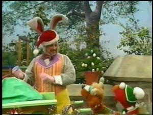 EasterBunny-ElmoSavesChristmas
