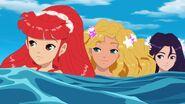 Rikki, Cleo & Emma in Water (1)