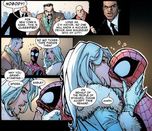 Silver Sable kissing Spider-Man