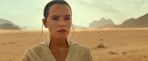 Rey prepares to face Kylo 2