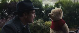 Christopher-robin-movie-screencaps.com-3489