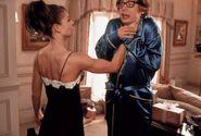 Elizabeth Hurley as Vanessa Kensignton 21