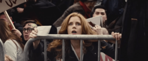 Batman-pearching-with-rifle-from-batman-v-superman-dawn-of-justice-lois-lane-amy-adams-1050x437