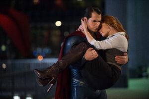 Batman-v-superman-dawn-of-justice-henry-cavill-amy-adams