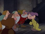 Snow-white-disneyscreencaps.com-3507