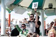 7-bellyflop-contest-doug-benson-jeremy-parahoy-2014-day2-650-430