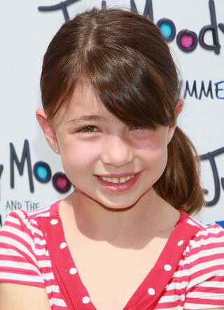 Savannah Paige Rae Premiere Relativity Media vOlKJ3lSB3Kl.jpg