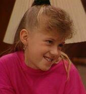 Stephanie-Tanner-stephanie-tanner-25993228-524-569