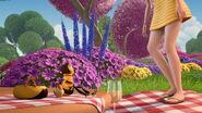 Bee-movie-disneyscreencaps.com-3567