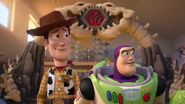 Woody and buzz in dinosaur team