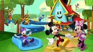 Mickey-mouse-funhouse