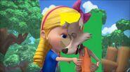 Goldie kisses Big Bad Wolf (1)
