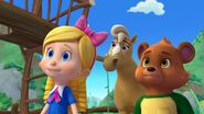 Goldie, Bear and the Horse
