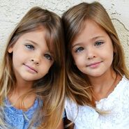 Des-sœurs-jumelles-nees-en-2010-ont-grandi 2