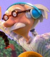 Grandpa Lou Pickles in Rugrats (2021)