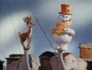 Rudolph and Frosty perform We're a Couple of Misfits