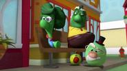 Pa grape granny and ichabezzer watching them