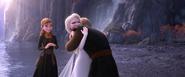 Frozen II - Kristoff Hugs Elsa
