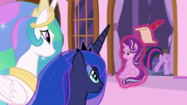 Twilight drags Starlight back into the castle S7E10