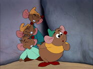 Cinderella-disneyscreencaps.com-1578