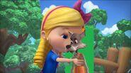 Goldie kisses Big Bad Wolf