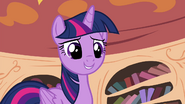 Twilight let's try it out on this apple seedling S4E15