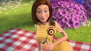 Bee-movie-disneyscreencaps.com-3524