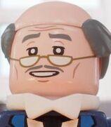 Alfred-pennyworth-lego-batman-6.77