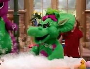 Barney's Best Manners the Invitation of Fun- Baby Bop takes a bath