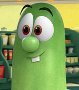 Larry-the-cucumber--4.04