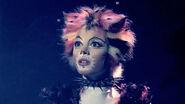 Cats (1998) - Jemima standing tall