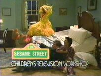 Episode 3118- Big Bird, Maria and Luis laugh when the window shade fall off and the bed breaks