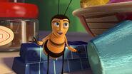 Bee-movie-disneyscreencaps.com-2785