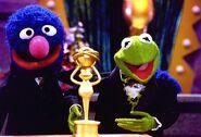 Kerm&Grover-frogoftheyear