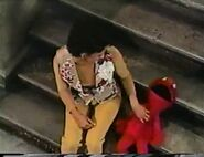 Episode 3430- Elmo makes up a laughing game and Maria tickles him