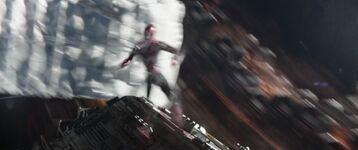 Spiderman-falls-down