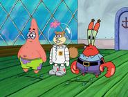 Sandy and friends sees spongebob got hit