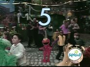 The Sesame Street cast dances to salsa in episode 3917