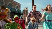 Gary, Mary and the Muppets running before explosion