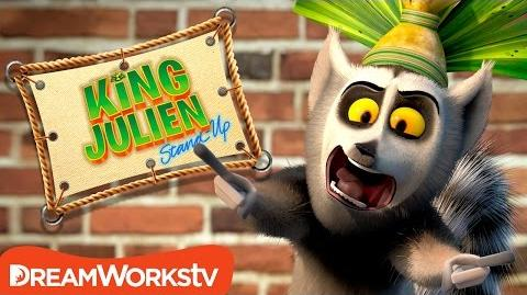 Selfie Master - KING JULIEN STAND UP