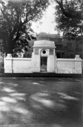 Ronald Ross Gate of Commemoration at Calcutta, 1927 Wellcome L0011716