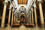 Interior of Pisa Duomo 2v9lwgdp
