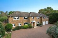 6 bedroom house in Farmham Common, 1.2 million pounds