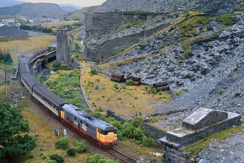 Train in Blaenau Ffestiniog.jpg