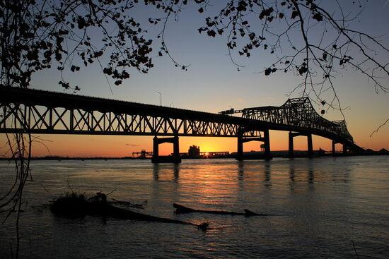 Mississippi-River-Bridge-at-Baton-Rouge.jpg